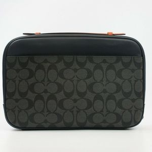 MULTIFUNCTION POUCH IN COLORBLOCK SIGNATURE
